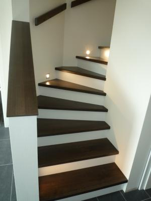 treppe massivholz gel nder f r au en. Black Bedroom Furniture Sets. Home Design Ideas