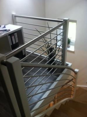 Treppenanlage mit Brüstungsgeländer
