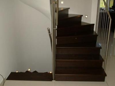 Holztreppe   Wenge gebeizt